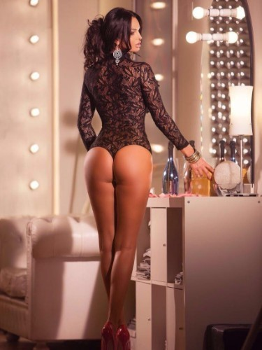 AmsterdamHotEscort - Advertenties voor  Escortbureau - Lyndsey
