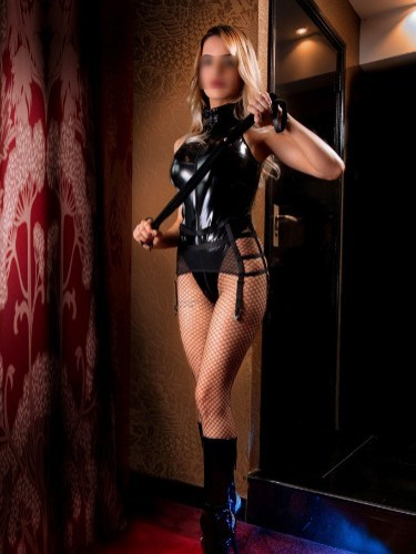 Fetish Mistress Escort Carina in Amersfoort, Netherlands - Photo: 2
