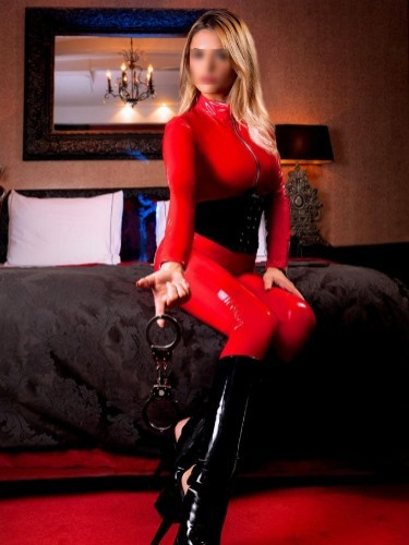 Fetish Mistress Escort Carina in Amersfoort, Netherlands - Photo: 6