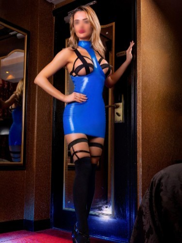Fetish Mistress Escort Carina in Amersfoort, Netherlands - Photo: 7