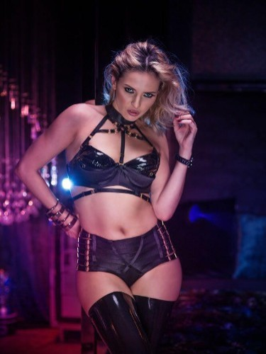 Fetish Meesteres sex advertentie van Gina Doll in Amersfoort - Foto: 2
