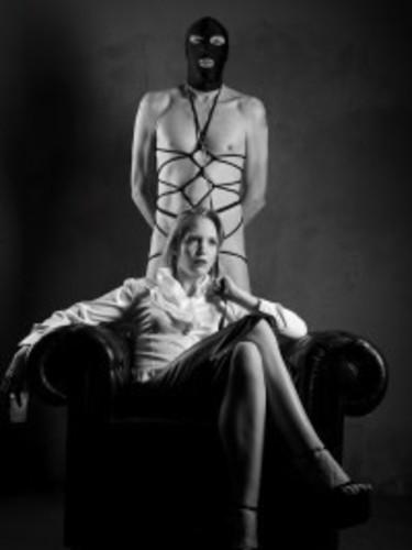 Fetish Meesteres Teenager sex advertentie van Mrs Zascha in Valkenswaard - Foto: 1