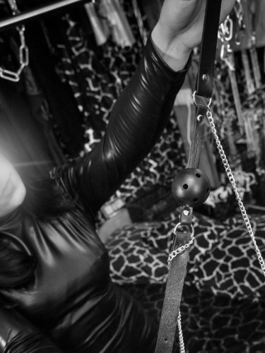 Fetish Meesteres sex advertentie van Mistress Isabella in Den Haag - Foto: 6